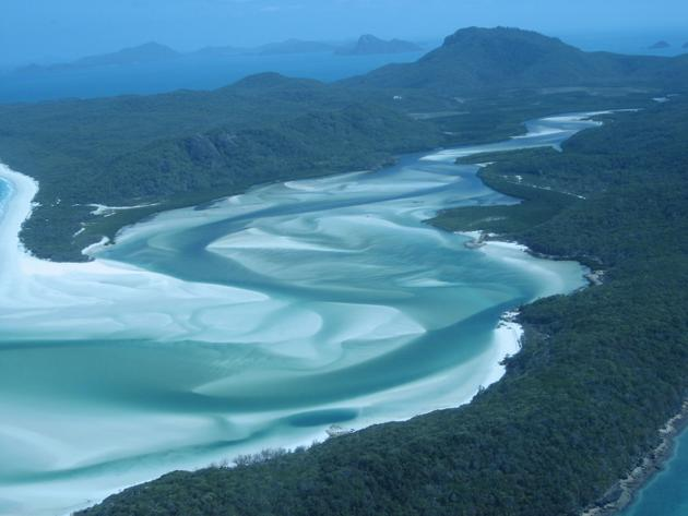 Le whitehaven beach sur l'ile Whitesunday Australie
