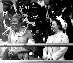 le roi Sobhuza II de swaziland